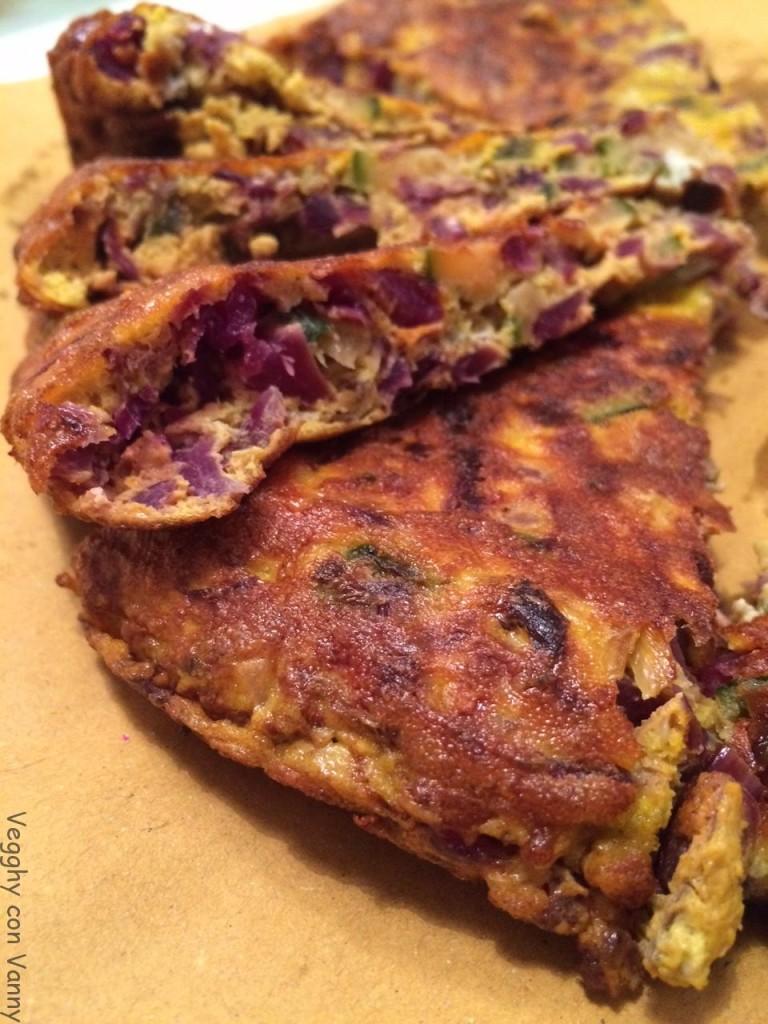 Frittata zucchine scalogno e cavolo viola