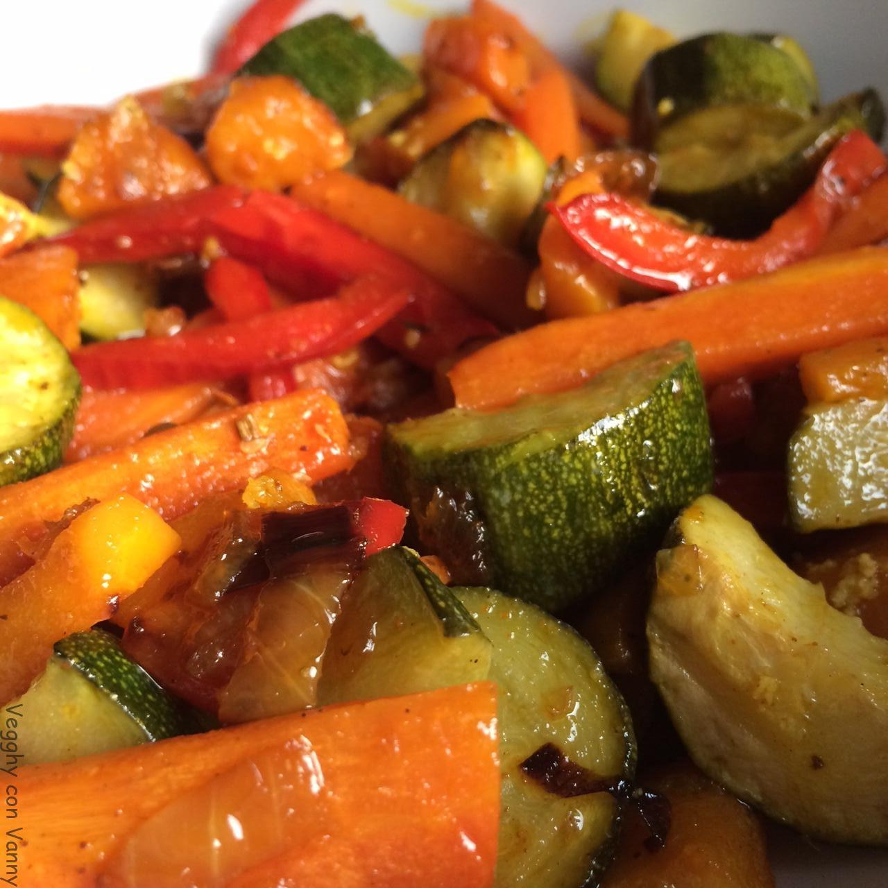 Verdure al forno con zenzero, curcuma e mix ayurvedico di spezie