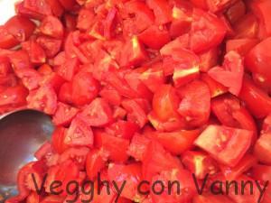 E tagliamo i pomodori