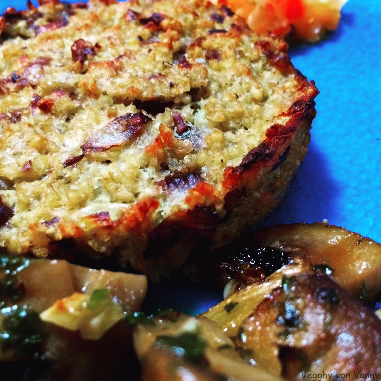 Hamburger di miglio al radicchio rosso di Treviso e olive taggiasche