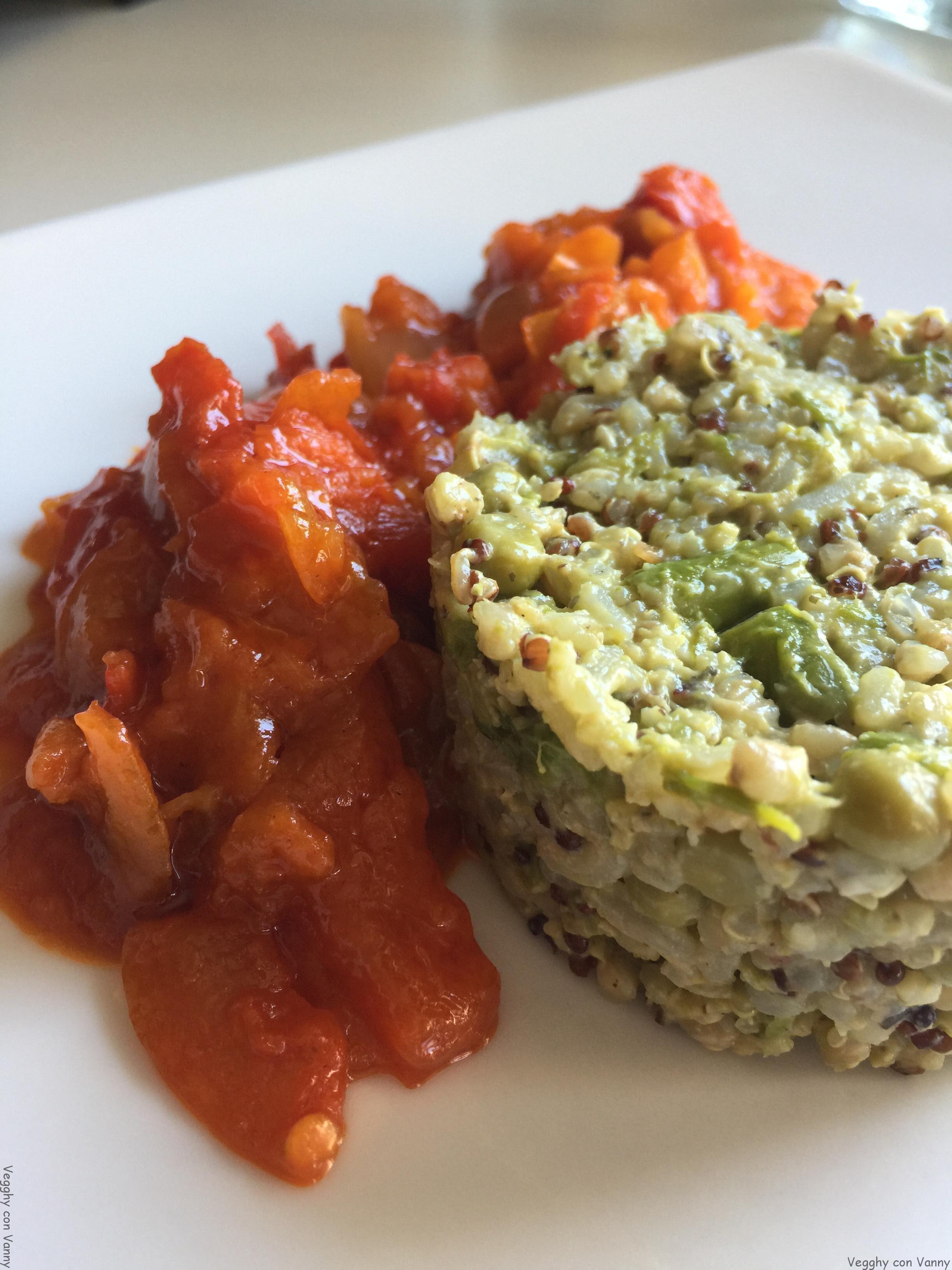 Mix quinoa e cereali con asparagi, piselli e tahin (vegan)
