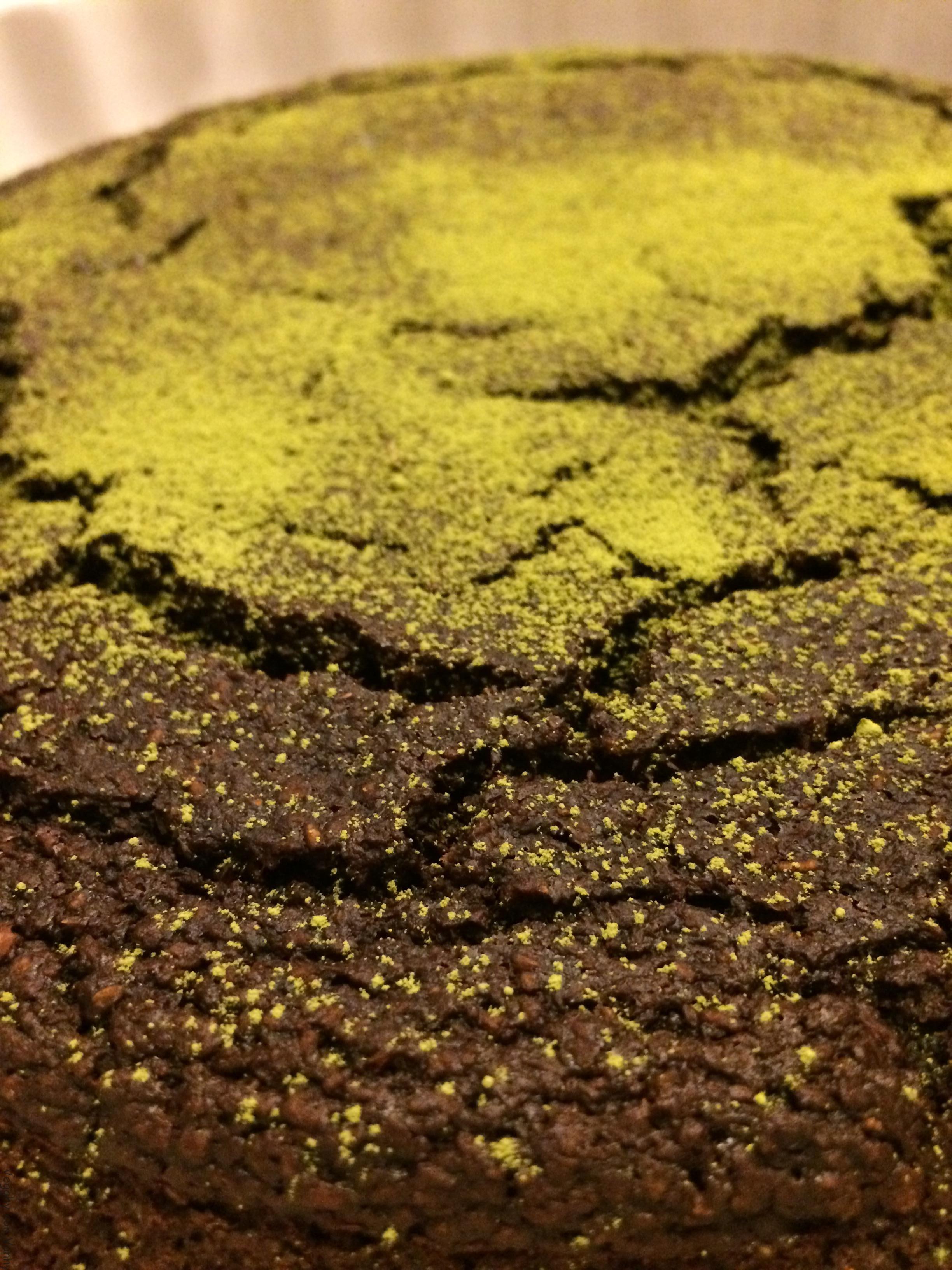 Torta di pane al cacao amaro e tè matcha