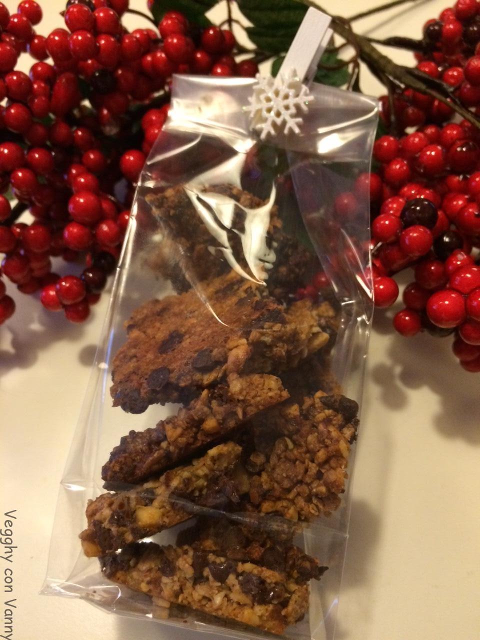 Biscotti di muesli ai frutti di bosco e gocce di cioccolato