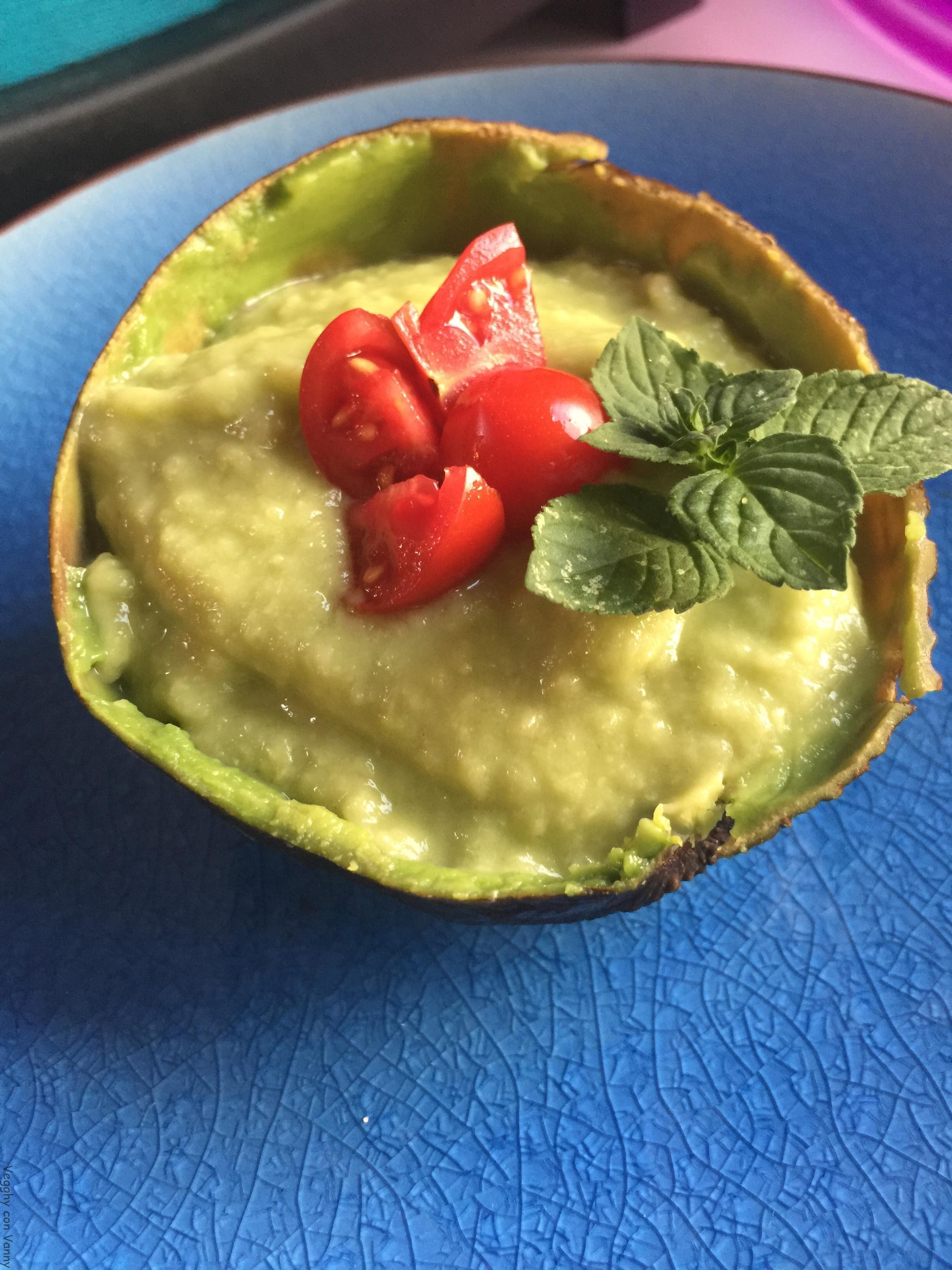 Crema di avocado e cetrioli alla menta