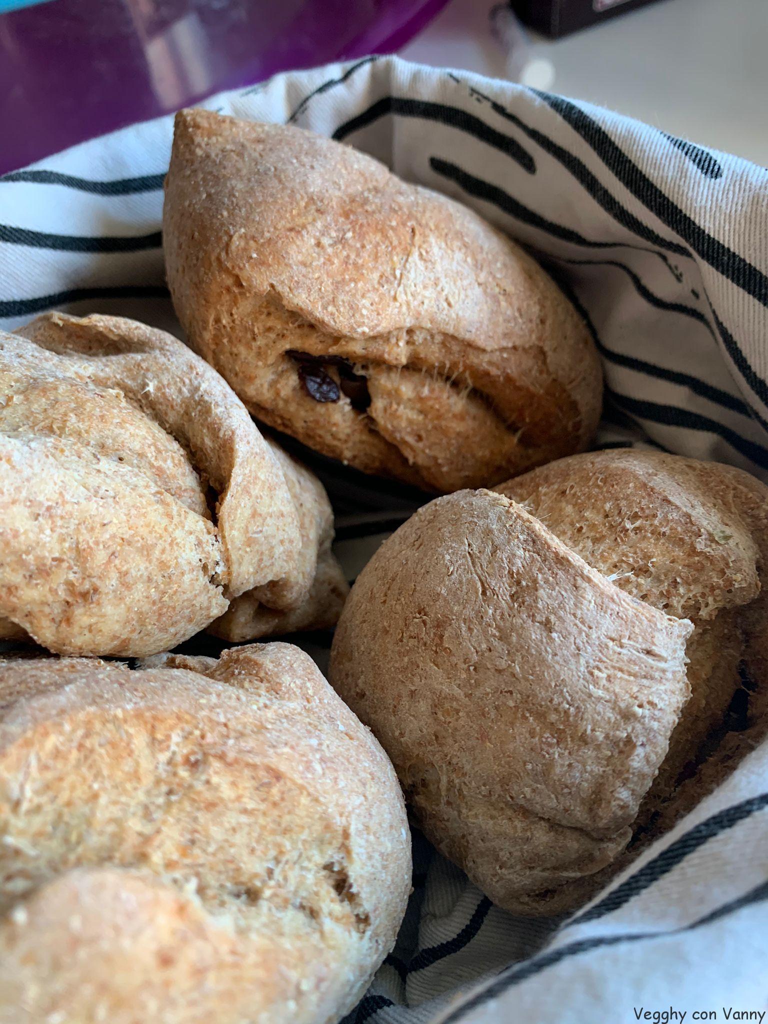 Pane integrale con olive Kalamon